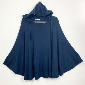 Capote Navy hooded poncho